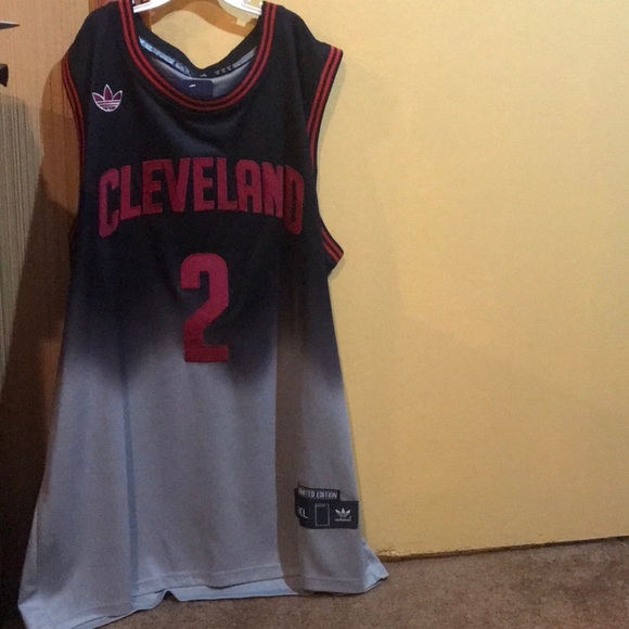 wholesale dealer 6b439 4d127 Kyrie Irving Cleveland Cavaliers Jersey NWT